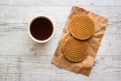 Stroopwafels/Waffles карамельки голландские с чаем или кофе Стоковая Фотография