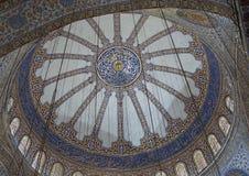 Stropujący inside on Błękitny meczet Fotografia Royalty Free