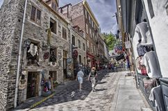 Strosa i staden gamla Quebec Arkivfoto