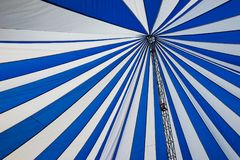 Structure de grandes tentes blanches de toit de toile Photos libres de droits