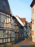 Structure en bois d'Allemand d'esprit traditionnel de maisons encadrées Images libres de droits
