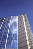 Structure en verre moderne de façade Image stock