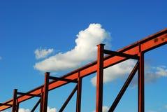 Structure métallique et ciel Photo libre de droits