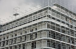 Structure of a  skyscraper under construction with the lead Royalty Free Stock Photos
