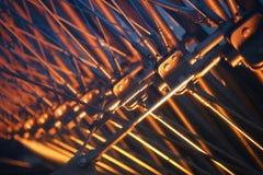 Structureel detail binnen Louvrepiramide stock fotografie