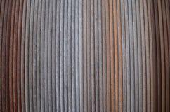 Structuur: roestige staaldraad op een kabeltrommel Stock Fotografie