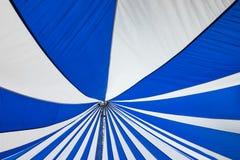 Structuur van de grote witte tenten van het canvasdak Stock Foto's