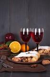 Strudel και κρασί Στοκ Εικόνες