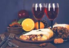 Strudel και κρασί Στοκ Εικόνα