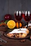 Strudel και κρασί Στοκ εικόνα με δικαίωμα ελεύθερης χρήσης