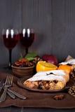 Strudel και κρασί Στοκ Φωτογραφίες