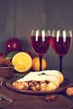 Strudel και κρασί Στοκ Φωτογραφία
