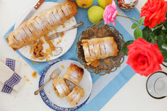 Strudel de Apple ou Apfelstrudel imagem de stock royalty free