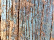 Strugać błękita ból na Krakingowej Driftwood desce obrazy stock