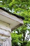 Strugać Białą farbę na wieśniaka kącie ganeczek Zdjęcie Stock