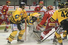 Struggle in goal crease - czech hockey Royalty Free Stock Photos