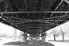 Struktur av en järnbro fotografering för bildbyråer