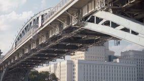 Struktur der Brücke ist Nahaufnahme stock footage