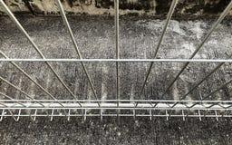Struktur des Eisenzauns stockbild