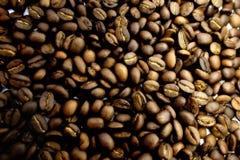 Struktur von den Körnern des Kaffees Lizenzfreies Stockbild