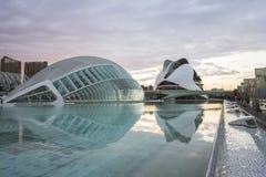 Strukturer av stadsnolla-konster och vetenskaper och reflexion arkivfoto