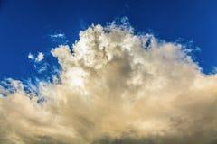 Strukturiert, Regenwolken im Himmel in der Tageszeit Stockfoto
