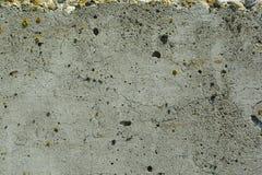 Strukturierte alte graue Betonmauer entziehen Sie Hintergrund stockfotos