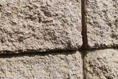 Strukturierte upclose Sandstein-Blockwand Stockbilder