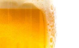 Strukturiertes Bier mit Schaum Lizenzfreies Stockfoto