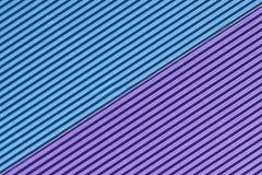 Strukturiertes buntes Blau und purpurrote Wellpappe stockfotos