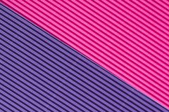 Strukturiertes buntes Rosa und purpurrote Wellpappe stockfotos