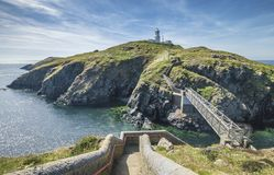 Strumble-Kopf-Leuchtturm in Pembrokeshire, Großbritannien lizenzfreie stockfotos