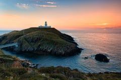 Strumble-Kopf-Leuchtturm, Wales Lizenzfreie Stockfotografie
