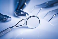 Strumentazione di odontoiatria e sanità dentale Fotografia Stock