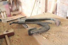 Strumenti alla fabbrica di legno del mulino fotografia stock