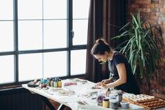 Strumenti ceramici della donna di ispirazione del materiale illustrativo dell'artigianato fotografia stock