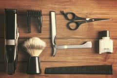 Strumenti degli elementi essenziali per il barbiere Fotografia Stock Libera da Diritti