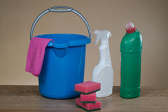 Strumenti dei prodotti di pulizia Fotografie Stock Libere da Diritti