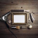 Strumenti del barbiere con la struttura in bianco Fotografia Stock