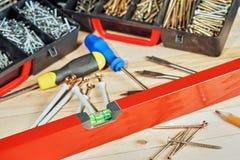 Strumenti del carpentiere su fondo di legno Immagini Stock Libere da Diritti