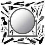 Strumenti del parrucchiere e dello specchio Immagini Stock Libere da Diritti