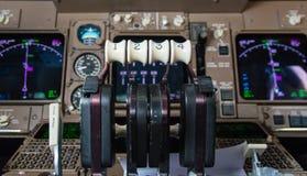 Strumenti della cabina di pilotaggio dell'aeroplano Fotografia Stock Libera da Diritti