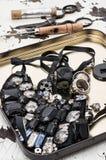 Strumenti e gioielli di cucito Immagini Stock