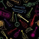 Strumenti musicali decorati in un modello Immagini Stock Libere da Diritti