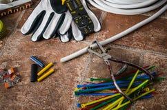 Strumenti per installazione elettrica, primo piano Fotografia Stock