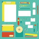 Strumenti piani della cancelleria, insieme della penna Penna, matita, forbici, raccolta Le penne vector l'insieme La scuola rinch Fotografie Stock