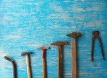 Strumenti sulla tavola di legno con lo spazio della copia fotografia stock libera da diritti