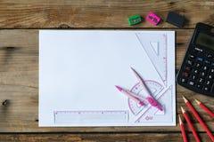 Strumento della geometria di matematica per lo studente nella classe di per la matematica con la copia s fotografia stock
