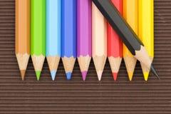Strumento della matita sotto forma di barretta fatta del materiale di scrittura fotografie stock libere da diritti