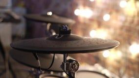 Strumento di percussione musicale nella fase archivi video